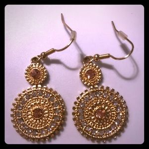 Jewelry - Gold on gold earrings